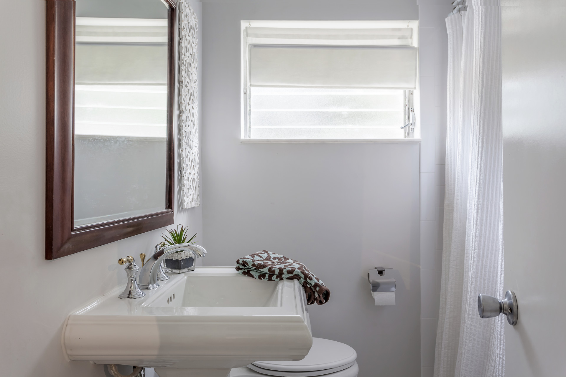 Guest bathroom cardinal designs and consulting inc for Bathroom design consultant