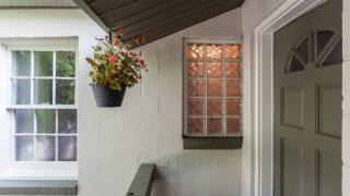 Henry St. Tampa glass block window