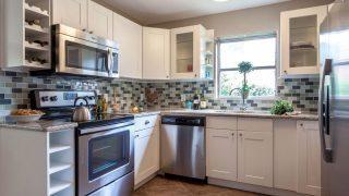 Henry St. Tampa kitchen 8