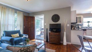 Henry St. Tampa living room to door final