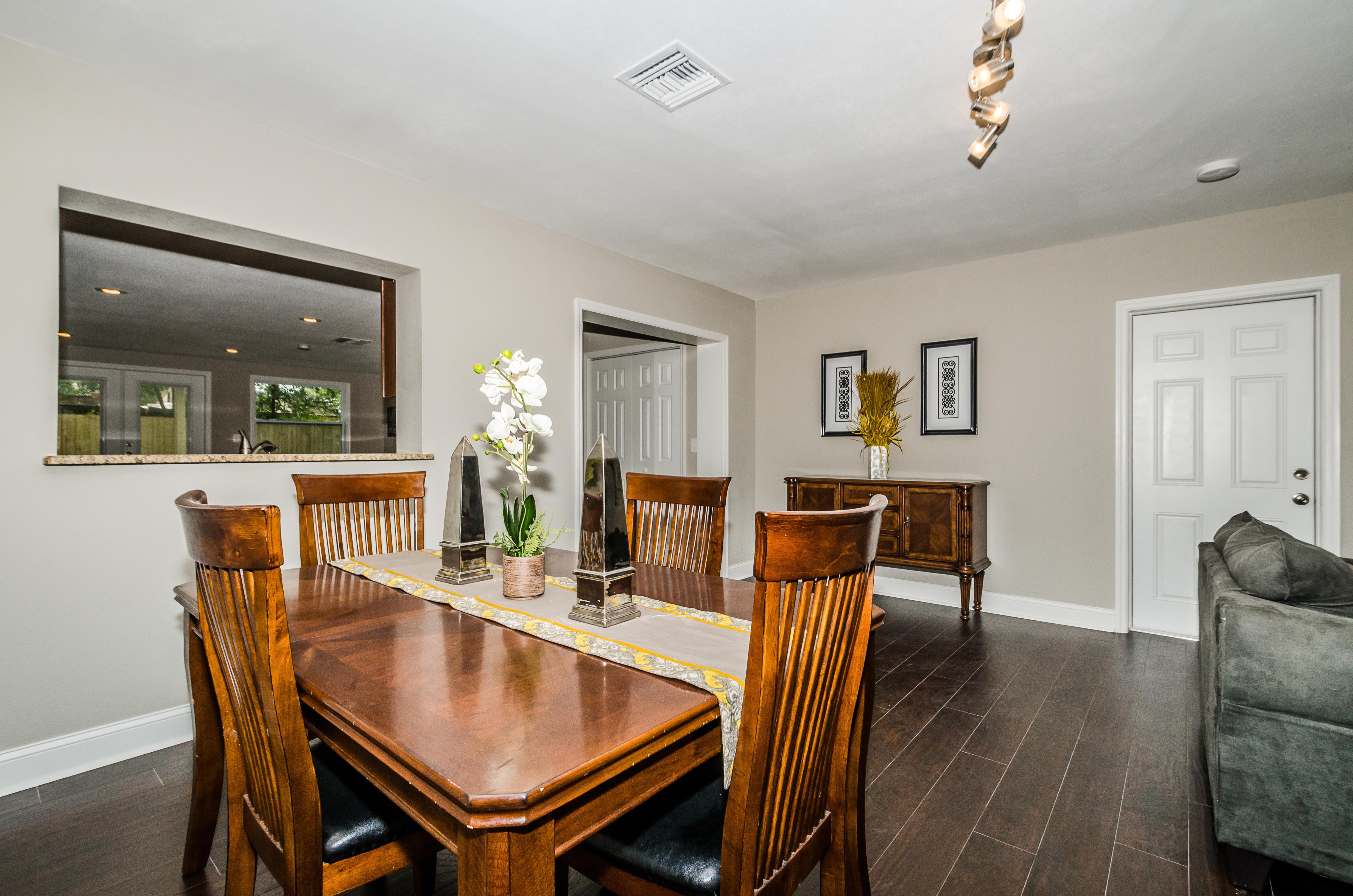Home Staging For Rehabbed Property On Vasconia St Tampa Fl