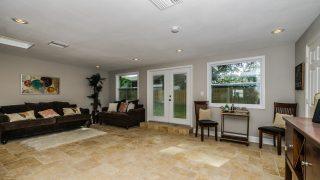 Vasconia St Tampa Family Room 1-3