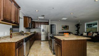 Vasconia St Tampa Kitchen 3-3
