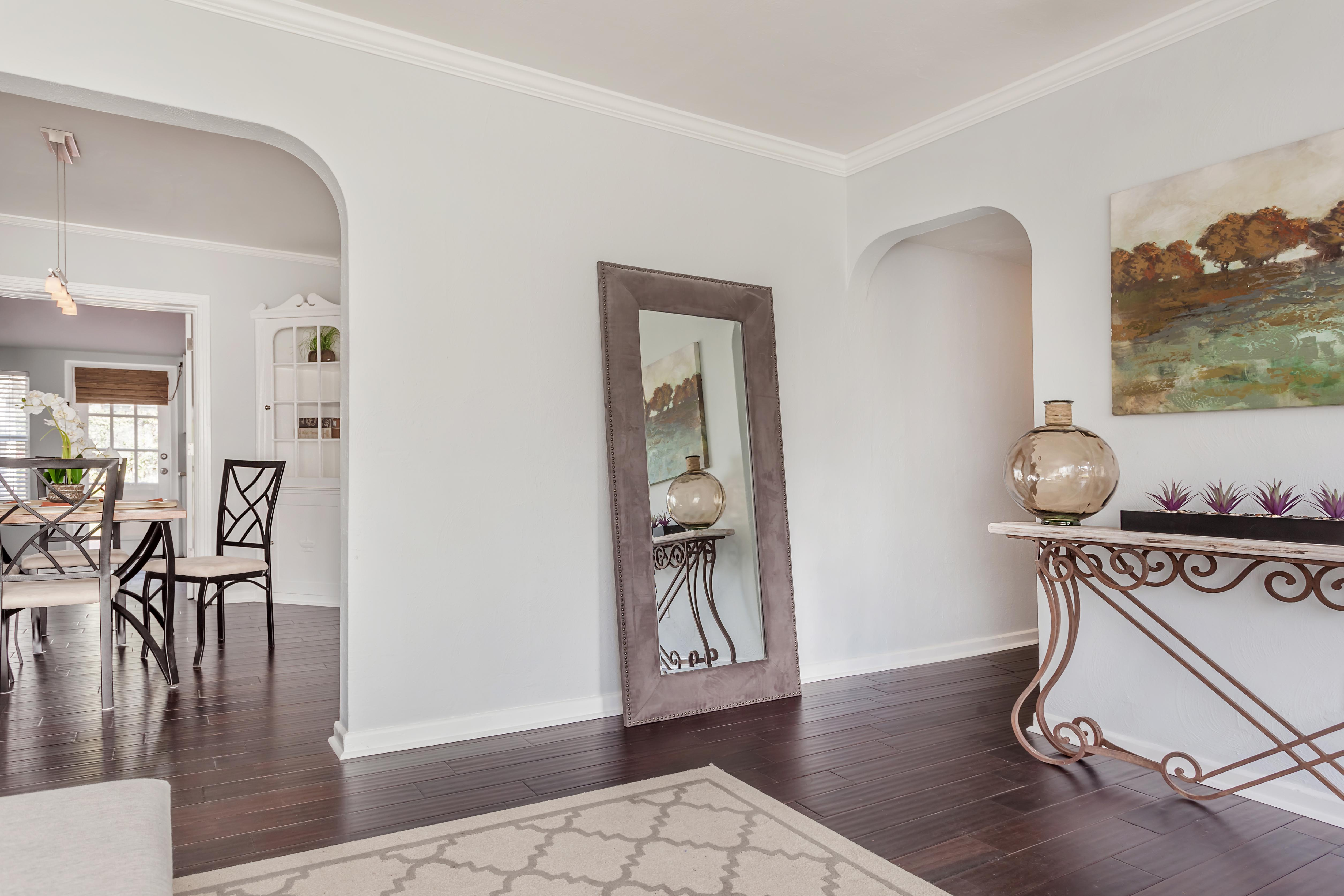 South Tampa Home Staged - Under Contract In Hours! - Cardinal Designs