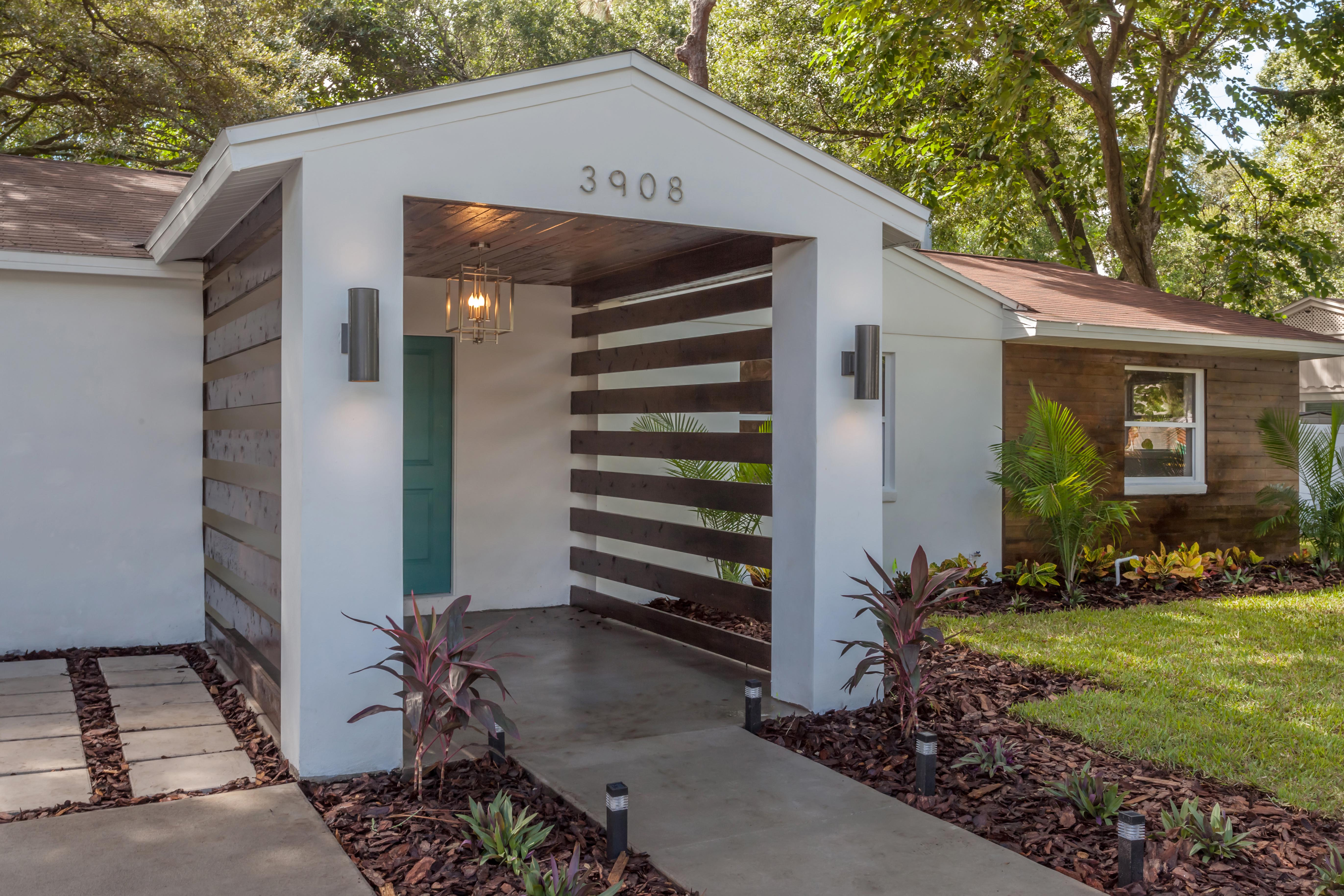 One of a Kind Chic Rehab With a Mid-Century Vibe